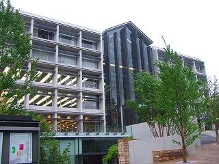 大学校舎AMC
