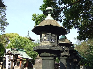上野東照宮石灯籠