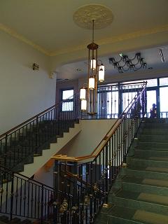 湖畔展望館階段上