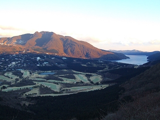 箱根スカイラインからの芦ノ湖