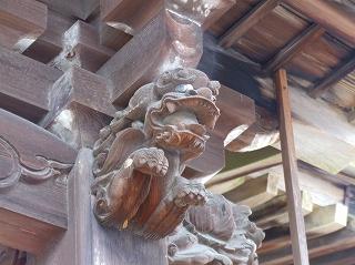名前も判らない神社の飾り獅子亞