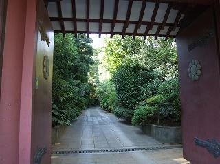 東禅寺参道