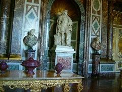 ルイ14世の彫刻